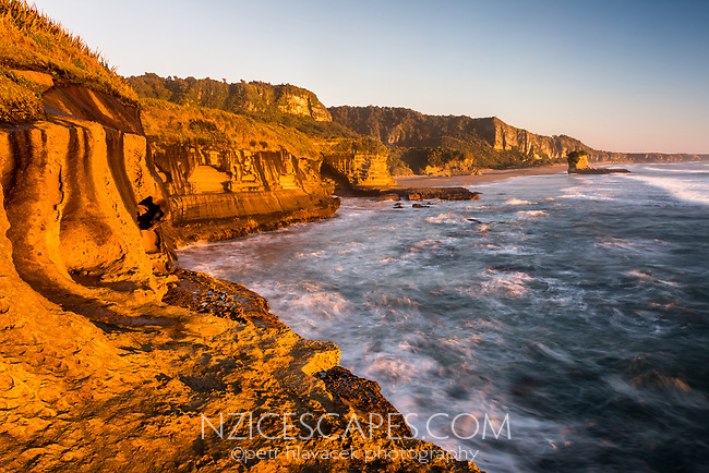 Sunset over limestone cliffs in Punakaiki, Paparoa National Park, West Coast, New Zealand, NZ