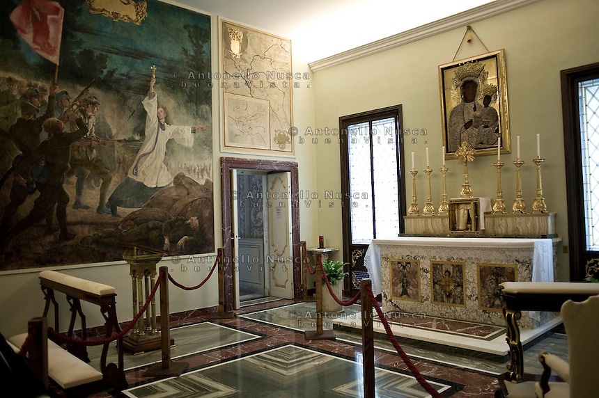 Castel Gandolfo, Rome, Italy, October 21, 2016. L'appartamento pontificio nella residenza di castel Gandolfo diventa un museo dopo la decisione di Papa Francesco di aprirla al pubblico. La cappella privata del Papa dedicata alla Madonna di Czestochowa. The Pontif's private apartment at the summer residence in Castel Gandolfo, now open to tourists as a museum. The Holy Father's private chapel dedicated to the Madonna of Czestochowa.
