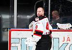 Stockholm 2014-10-14 Ishockey Hockeyallsvenskan AIK - Malm&ouml; Redhawks :  <br /> Malm&ouml; Redhawks m&aring;lvakt Pontus Sj&ouml;gren ser fundersam ut<br /> (Foto: Kenta J&ouml;nsson) Nyckelord:  AIK Gnaget Hockeyallsvenskan Allsvenskan Hovet Johanneshov Isstadion Malm&ouml; Redhawks portr&auml;tt portrait