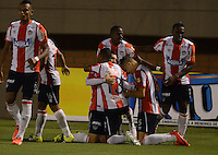 ENVIGADO -COLOMBIA-10-10-2015. Jugadores de Atlético Junior celebran ell gol anotado a Envigado FC en partido por la fecha 13 de la Liga Águila II 2015 realizado en el Polideportivo Sur de la ciudad de Envigado./ Players of Atletico Junior celebrates a goal scored to Envigado FC during match for the date 7 of the Aguila League II 2015 at Polideportivo Sur in Envigado city.  Photo: VizzorImage/ León Monsalve /STR