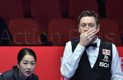 01.04.2016. Beijing, China.  Ricky Walden (R) of England reacts during the match against compatriot Stuart Bingham at the 2016 World Snooker China Open in Beijing, capital of China, April 1, 2016.
