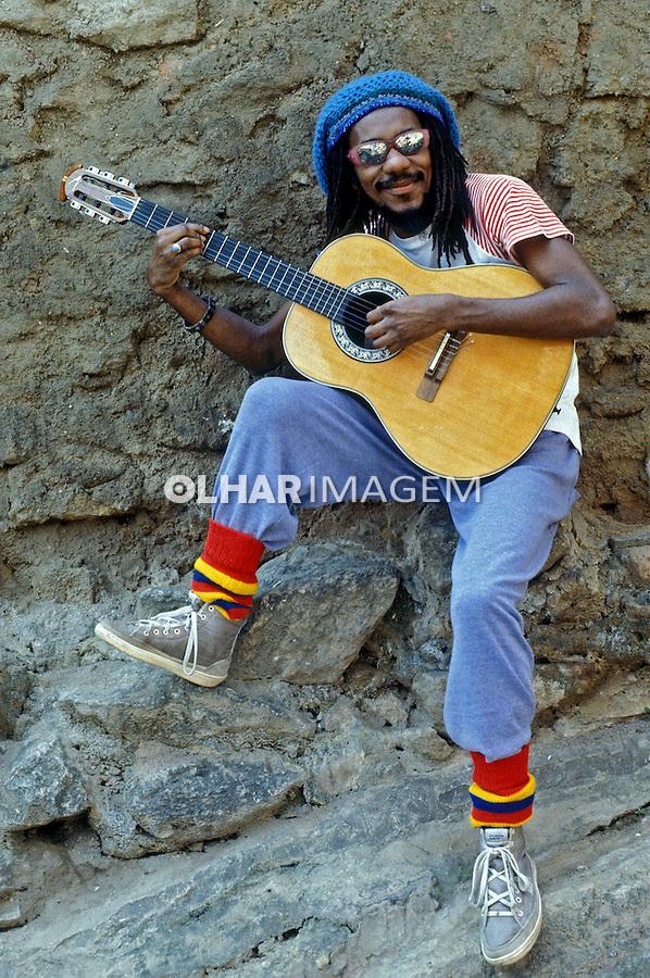 Pessoa. Personalidade. Luis Melodia, cantor, músico e compositor. RJ. 1986. Foto de Rogério Reis.