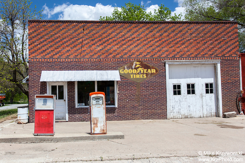 Old gas station in Crab Orchard, NE