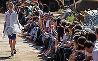SAO PAULO, SP, 16 JUNHO 2012 - SPFW DESFILE CAVALERA - Desfile da grife Cavalera durante a 33ª edição da São Paulo Fashion Week 2012 ( SPFW ), desfile da coleção Verão 2013, realizado em um ferro velho no bairro da Mooca em São Paulo (SP), neste sábado, 16. (FOTO: WILLIAM VOLCOV / BRAZIL PHOTO PRESS).