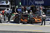 IMSA WeatherTech SportsCar Championship<br /> AMERICA'S TIRE 250<br /> Mazda Raceway Laguna Seca<br /> Monterey, CA USA<br /> Saturday 24 September 2017<br /> 86, Acura, Acura NSX, GTD, Oswaldo Negri Jr., Jeff Segal pit stop<br /> World Copyright: Richard Dole<br /> LAT Images<br /> ref: Digital Image RD_LS_17_360