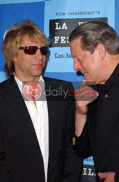 Jon Bon Jovi and Al Gore<br />at a Special Outdoor Screening of &quot;An Inconvenient Truth&quot;. Grand Performances, Los Angeles, CA. 06-24-06<br />Dave Edwards/DailyCeleb.com 818-249-4998