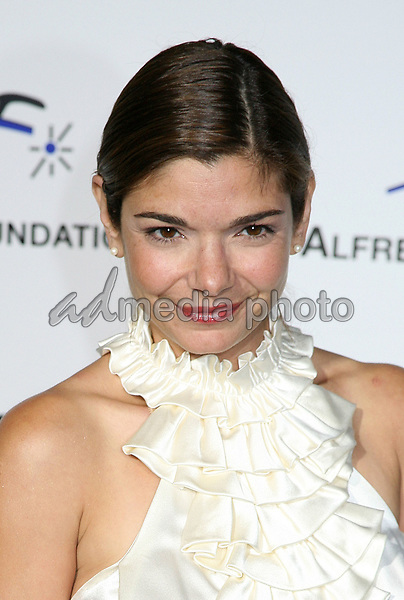 9 September 2006 - Beverly Hills, California. Laura San Giacomo. 3rd Annual Alfred Mann Foundation Innovation and Inspiration Gala Honoring Richard and Nancy Riordan. Photo Credit: Byron Purvis/AdMedia