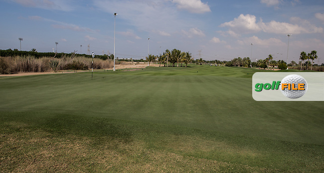 5th green, The Track at The Meydan Golf Club, Dubai, United Arab Emirates.  31/01/2016. Picture: Golffile | David Lloyd<br /> <br /> All photos usage must carry mandatory copyright credit (&copy; Golffile | David Lloyd)