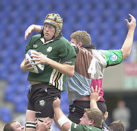 14/04/2002.Sport - Rugby Union.Madjeski Stadium - Reading.Zurich Premiership.London Irish vs Harlequins.Exiles skipper Glenn Delaney, collects the line out ball...