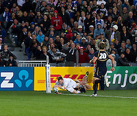 Rugby World Cup Auckland England v Scotland  Pool B 01/10/2011. Chris Ashton scores England's only try (England)    .Photo  Frey Fotosports International/AMN Images