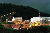Cia. Vale do Rio Doce, Vista da esteira transportadora, pilha e  moagem. Serra do Sossego<br />Canãa dos Carajás-Pará-Brasil<br />Foto: Paulo Santos/ Interfoto<br />Negativo 135 Nº6848 Fc 97 <br />03/2004