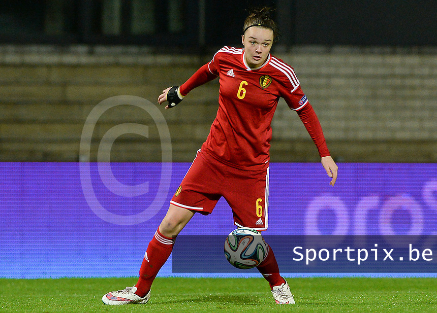 20151130 - LEUVEN ,  BELGIUM : Belgian Tine De Caigny pictured during the female soccer game between the Belgian Red Flames and Serbia , the third game in the qualification for the European Championship in The Netherlands 2017  , Monday 30 November 2015 at Stadion Den Dreef  in Leuven , Belgium. PHOTO DAVID CATRY