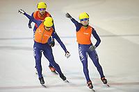 SHORTTRACK: AMSTERDAM: 05-01-2014, Jaap Edenbaan, NK Shorttrack, finish 1000m, Christiaan Bökkerink (#91), Sjinkie Knegt (#89), ©foto Martin de Jong