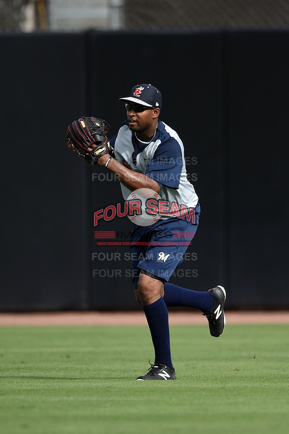 Brevard County Manatees outfielder Jose Pena (16) during practice before a game against the Dunedin Blue Jays on April 23, 2015 at Florida Auto Exchange Stadium in Dunedin, Florida.  Brevard County defeated Dunedin 10-6.  (Mike Janes/Four Seam Images)