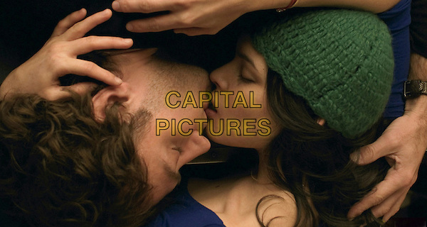 JUDE LAW & NORAH JONES.in My Blueberry Nights .**Editorial Use Only**.CAP/FB.Supplied by Capital Pictures