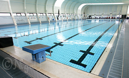 23 SEP 2005 - LOUGHBOROUGH, UK - The EIS Swimming Pool at Loughborough University (PHOTO (C) NIGEL FARROW)