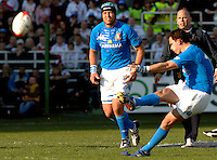 Photo: Omega/Richard Lane Photography. Italy v England. RBBS Six Nations. 10/02/2008. Italy's Andrea Masi kicks a penalty.