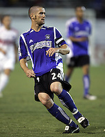 21 September 2005: Wade Barrett of the Earthquakes in action against the Chicago Fire at Spartan Stadium in San Jose, California.   San Jose Earthquakes defeated Chicago Fire, 2-0.