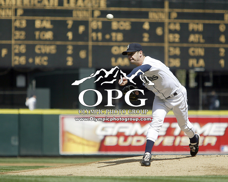 24 April 2005: Seattle Mariners starting pitcher Jamie Moyer allowed only 1 run over eight innings against the Cleveland Indians to run his overall record to 4-0 best in the majors at Safeco field in Seattle, WA.