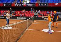April 18, 2015, Netherlands, Den Bosch, Maaspoort, Fedcup Netherlands-Australia, Volley challenge<br />  Photo: Tennisimages/Henk Koster