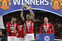 Michael Carrick of Manchester United holds aloft the trophy after the EFL Cup Final match <br /> Londra Wembley Stadium Southampton vs Manchester United - EFL League Cup Finale - 26/02/2017 <br /> Foto Phcimages/Panoramic/Insidefoto