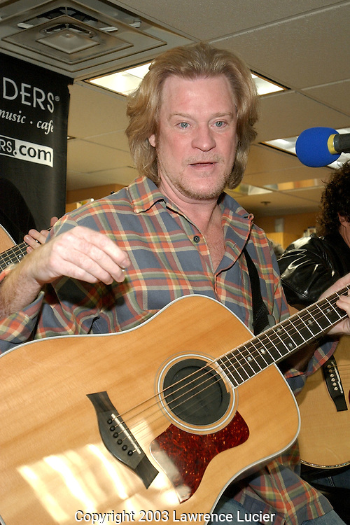NEW YORK-FEBRUARY 11: Recording artist Daryl Hall appears at Borders Books February 11, 2003, in New York City. Their new album is Do It For Love.