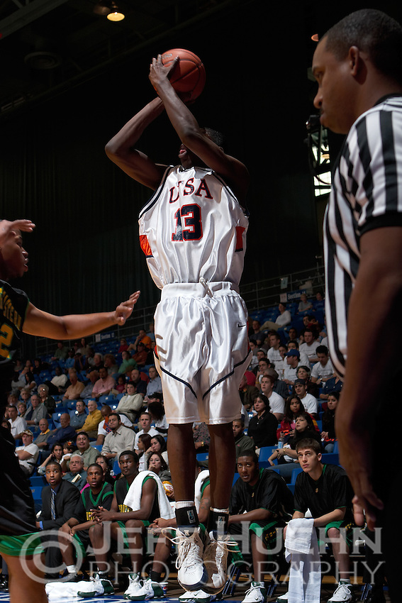 SAN ANTONIO, TX - FEBRUARY 4, 2006: The Southeastern Louisiana University Lions vs. The University of Texas at San Antonio Roadrunners Men's Basketball at the UTSA Convocation Center. (Photo by Jeff Huehn)