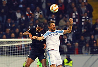 Sebastien Haller (Eintracht Frankfurt) gegen Francesco Acerbi (Lazio Rom) - 04.10.2018: Eintracht Frankfurt vs. Lazio Rom, UEFA Europa League 2. Spieltag, Commerzbank Arena, DISCLAIMER: DFL regulations prohibit any use of photographs as image sequences and/or quasi-video.
