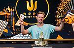 Champion Linus Loeliger