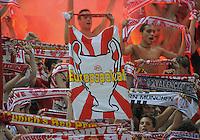 FUSSBALL   CHAMPIONS LEAGUE   SAISON 2011/2012  Qualifikation  23.08.2011 FC Zuerich - FC Bayern Muenchen FC Bayern Fans feiern den Einzug in die Champions League mit dem Plakat Europapokal