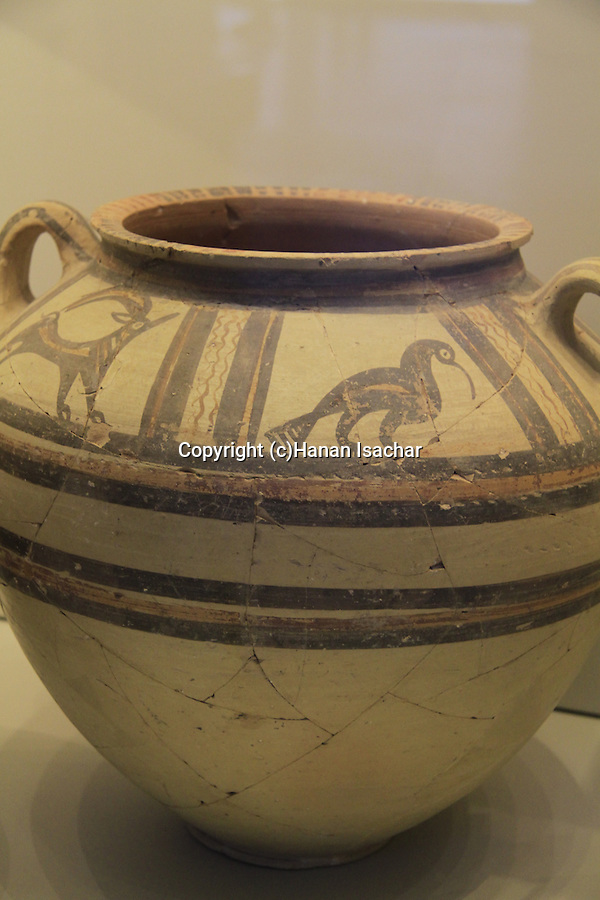 Israel, Jerusalem, a bowl from Cyprus found in Tel Lachish, 18th-16th century BC, at the Israel Museum