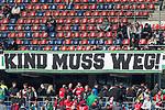 10.03.2018, HDI Arena, Hannover, GER, 1.FBL, Hannover 96 vs FC Augsburg<br /> <br /> im Bild<br /> Anti Martin Kind (Pr&auml;sident / Praesident Hannover 96) Transparent / Plakat / Banner / Spruchband mit Aufschrift &quot;Kind muss weg!&quot;, <br /> <br /> Foto &copy; nordphoto / Ewert