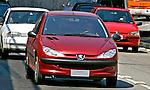 Automóvel Peugeot. SP. Foto de Juca Martins.