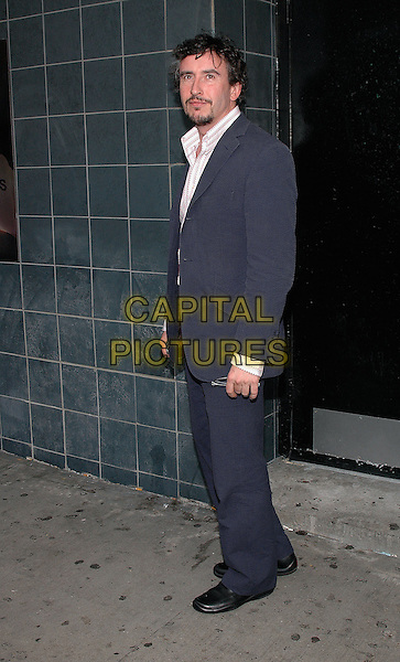 "STEVE COOGAN.Film Premiere of ""Happy Endings"" at the Chelsea Clearview Theater in Manhattan, New York, NY, USA, .July 12th 2005..full length suit beard .Ref: ADM.www.capitalpictures.com.sales@capitalpictures.com.©Patti Ouderkirk/AdMedia/Capital Pictures."