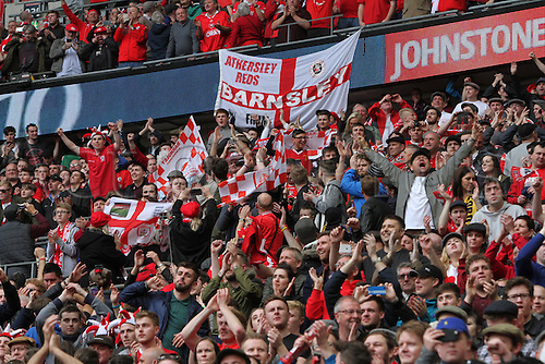 03.04.2016. Wembley Stadium,  London, England. Johnstones Paint Trophy Football Final Barnsley versus  Oxford Utd. Barnsleys FC Fans celebrate as there team lifts the trophy