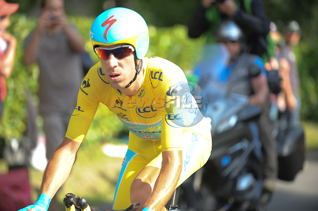 Race leader Vincenzo Nibali (ITA) Astana in action during Stage 20 Individual Time Trial of the 2014 Tour de France running 54km from Bergerac to Perigueux. 25th July 2014.<br /> Photo ASO/G.Demouveaux/www.newsfile.ie