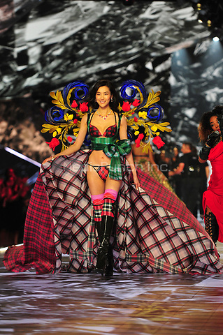 NEW YORK, NY - NOVEMBER 08: Model at the 2018 Victoria's Secret Fashion Show at Pier 94 on November 8, 2018 in New York City. Credit: John Palmer/MediaPunch