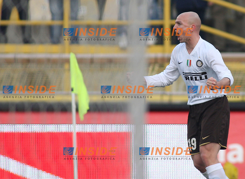 Inter's Esteban Cambiasso celebrates after scoring against Bologna during their italian serie A soccer match at Dall'Ara Stadium in Bologna , Italy , February 21 , 2009 - Photo: Prater/Insidefoto ©