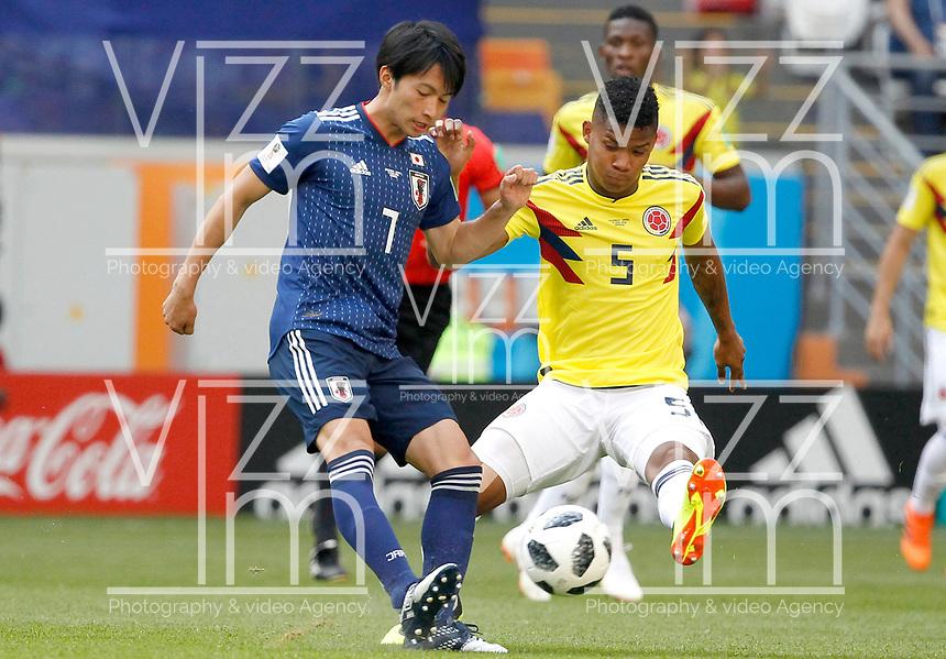 SARANSK - RUSIA, 19-06-2018: Wilmar BARRIOS (Der) jugador de Colombia disputa el balón con Gaku SHIBASAKI (Izq) jugador de Japón durante partido de la primera fase, Grupo H, por la Copa Mundial de la FIFA Rusia 2018 jugado en el estadio Mordovia Arena en Saransk, Rusia. /  Wilmar BARRIOS (R) player of Colombia fights the ball with Gaku SHIBASAKI (L) player of Japan during match of the first phase, Group H, for the FIFA World Cup Russia 2018 played at Mordovia Arena stadium in Saransk, Russia. Photo: VizzorImage / Julian Medina / Cont