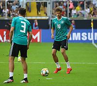 Leon Goretzka (Deutschland, Germany) wieder mit dabei mit Jonas Hector (Deutschland Germany) - 05.06.2019: Öffentliches Training der Deutschen Nationalmannschaft DFB hautnah in Aachen