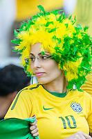 BELO HORIZONTE, MG, 26 JUNHO 2013 - COPA DAS CONFEDERACOES -  BRASIL X URUGUAI -  Torcedora da Seleção Brasileira antes da partida contra o Uruguai, jogo válido pelas Semi-finais da competição, no Estadio Mineirao em Belo Horizonte, Minas Gerais nesta Quarta, 26 (FOTO: NEREU JR / PHOTOPRESS).