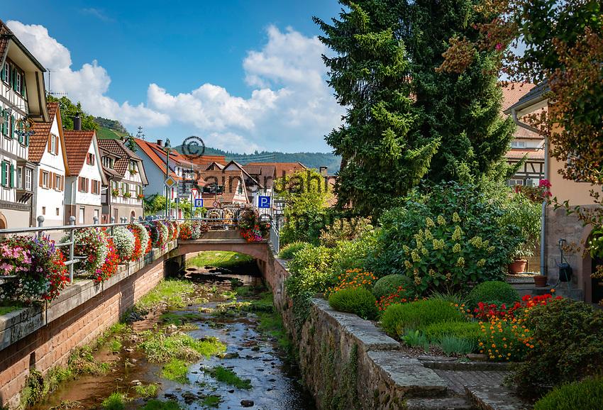 Germany, Baden-Wuerttemberg, Black Forest, District Ortenau, Durbach: wine village centre ↑ Deutschland, Baden-Wuerttemberg, Schwarzwald, Ortenaukreis, Weinort Durbach: Ortszentrum
