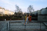 Frankfurt: Siedlung Bruchfeldstr.  (Zickzack Hausen)  in Niederrad, 1926-27. Playground. Ernst May, Architect.