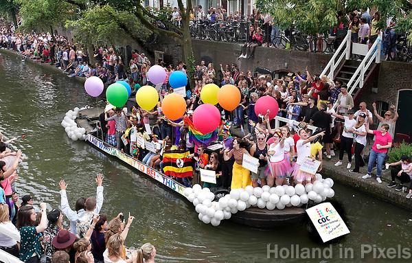 Nederland  Utrecht - 2018. Voor het tweede jaar vaart de Utrecht Canal Pride door de binnenstad. Boot van het COC.   Foto mag niet in negatieve / schadelijke context gepubliceerd worden.   Foto Berlinda van Dam / Hollandse Hoogte.