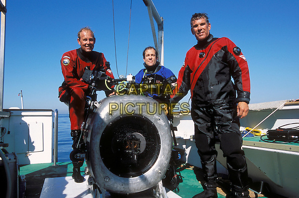 BOB CRANSTON, MARK THURLOW & HOWARD HALL (DIRECTOR).in Deep Sea 3D.*Editorial Use Only*.www.capitalpictures.com.sales@capitalpictures.com.Supplied by Capital Pictures.