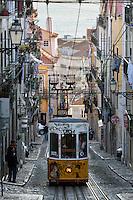 Portugal, Lisbon: Elevador (funicular) da Bica, Rua da Bica Duarte Belo, Chiado | Portugal, Lissabon: Elevador da Bica - Standseilbahn