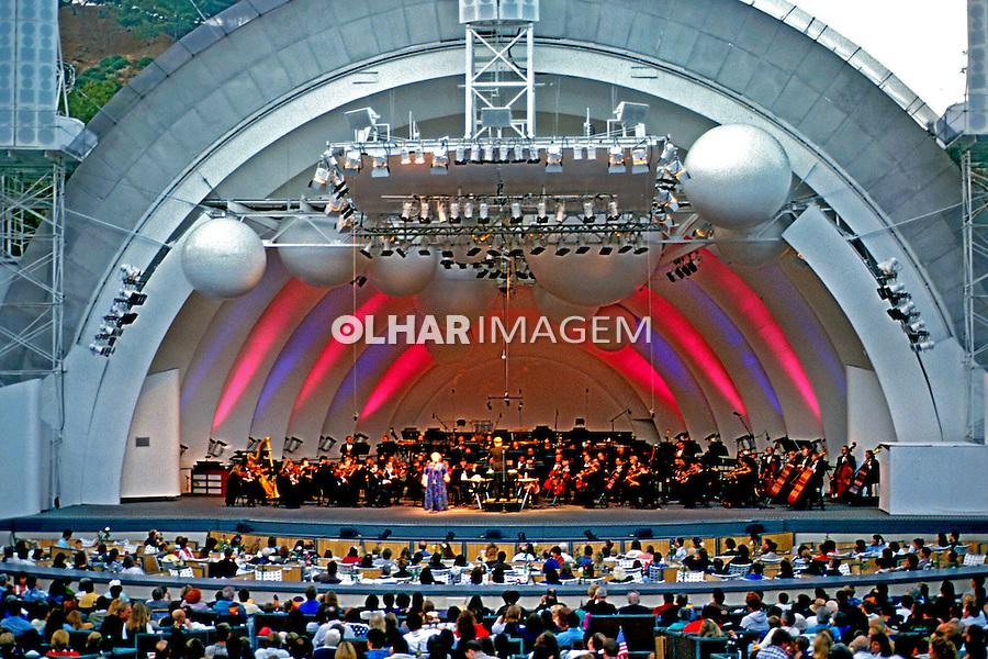 Apresentação de orquestra sinfônica no Hollywood Bowl em Los Angeles. EUA. 2000. Foto de Luciana Whitaker.