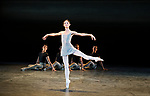 English National Ballet. Song of the Earth.<br /> Senri Kou;