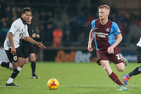 Liam O'Neil of Scunthorpe Utd<br />  - Scunthorpe United vs Bristol City - Sky Bet League One Football at Glanford Park, Scunthorpe, Lincolnshire - 17/01/15 - MANDATORY CREDIT: Mark Hodsman/TGSPHOTO - Self billing applies where appropriate - contact@tgsphoto.co.uk - NO UNPAID USE
