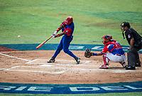 Guillermo Aviles (21) en su turno al bat en el tercer inning por los  Alazanes de Gamma de Cuba, durante el partido de beisbol de la Serie del Caribe contra los Criollos de Caguas de Puerto Rico en estadio de los Charros de Jalisco en Guadalajara, México, Martes 6 feb 2018.  (Foto: AP/Luis Gutierrez)